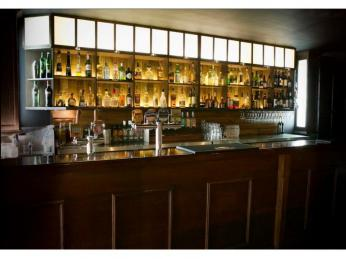 Bar and Grill with Private Conference Room – Ref: 2444