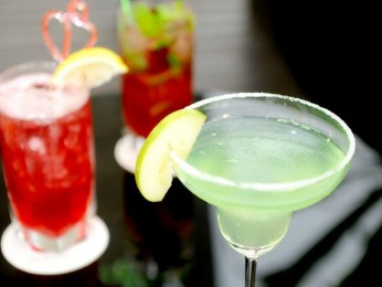 ALL OFFERS CONSIDERED! Modern Bistro/Bar Southside Business For Sale Ref #9122